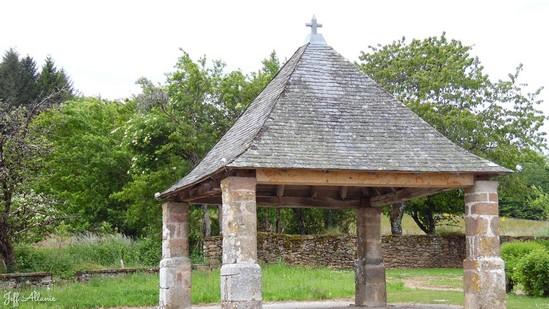 Photo fiche road-trip N° 10_1010_1 - De châteaux en petites gares, de lacs en barrages - Le village de Lafage-sur-Sombre - Lafage-sur-Sombre - 19320