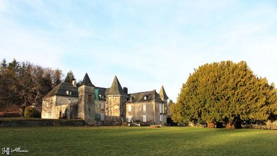Photo fiche road-trip N° 10_1014_1 - Les portes du Périgord blanc - Château de Pebeyre - Saint-Pardoux-la-Croisille - 19320