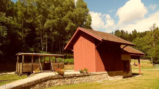 Photo fiche road-trip N° 10_330_1 - De châteaux en petites gares, de lacs en barrages - La petite gare d'Espagnac - Espagnac - 19150
