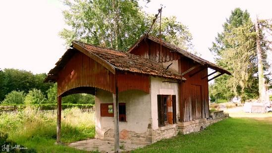 Photo fiche road-trip N° 10_331_1 - De châteaux en petites gares, de lacs en barrages - La petite gare du Mortier - Espagnac - 19150