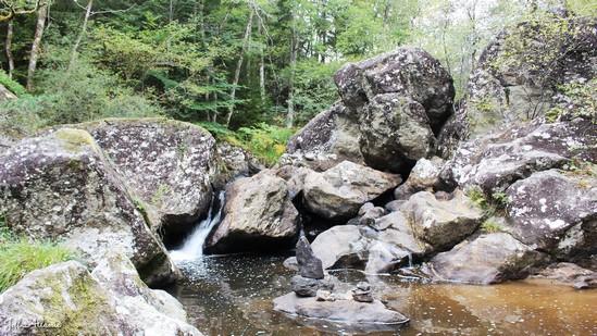 Photo fiche road-trip N° 11_282_1 - Les gorges sauvages de la Dordogne - Le chaos de granite du Chastagner - Neuvic - 19160