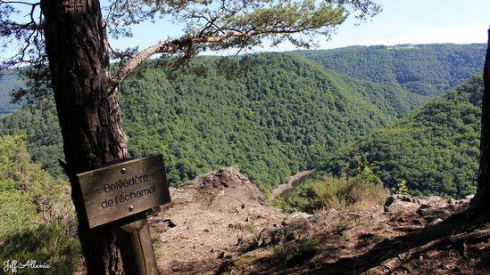 Photo fiche road-trip N° 11_8091_1 - Les gorges sauvages de la Dordogne - Le belvédère de l'Échamel - Laval-sur-Luzège - 19550