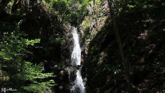 Photo fiche road-trip N° 11_90_1 - Les gorges sauvages de la Dordogne - La cascade de Neyrat - Lapleau - 19550