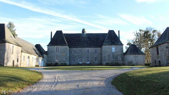 Photo fiche road-trip N° 12_3230_1 - Les portes du Périgord blanc - La château du Lieuteret - Darnets - 19300