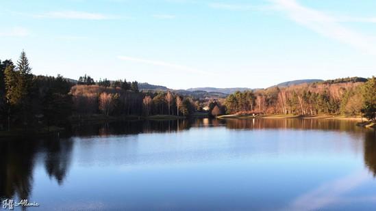 Photo fiche road-trip N° 12_375_1 - Le pays de Ventadour - Le lac de Deiro - Égletons - 19300