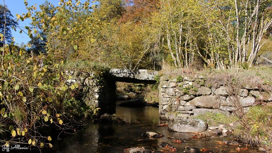 Photo fiche road-trip N° 12_398_1 - Le pays de Ventadour - Le pont de l'eau - Bonnefond - 19170