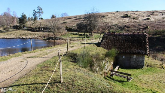 Photo fiche road-trip N° 12_427_1 - Les portes du Périgord blanc - Le hameau de Chadebec - Bonnefond - 19170