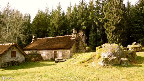 Photo fiche road-trip N° 12_432_1 - Le pays de Ventadour - Le village perdu de Clédat - Grandsaigne - 19300