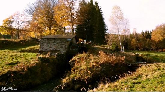 Photo fiche road-trip N° 12_438_1 - Le pays de Ventadour - Le moulin à eau de Pradines - Pradines - 19170