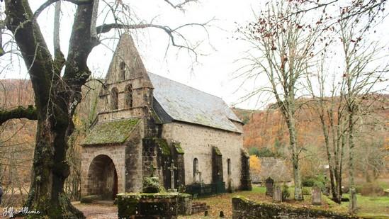 Photo fiche road-trip N° 13_257_1 - Les portes du Périgord blanc - Les chapelles de Confolent-port-Dieu - Confolent-Port-Dieu - 19200