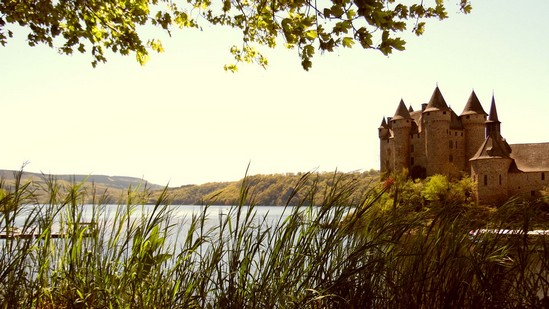 Photo fiche road-trip N° 13_259_1 - Les portes du Périgord blanc - Le château de Val - Lanobre - 15270