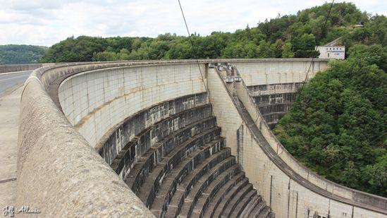 Photo fiche road-trip N° 13_261_1 - Les portes du Périgord blanc - Le barrage de Bort-les-Orgues - Bort-les-Orgues  - 19110