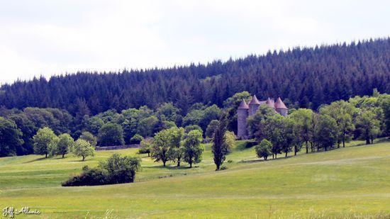 Photo fiche road-trip N° 13_601_1 - Mystères, puissance et grandes orgues - Château de Pierrefitte à Bort-les-Orgues - Sarroux - St Julien - 19110