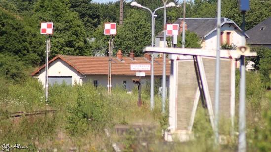 Photo fiche road-trip N° 14_379_1 - La Corrèze plein Est c'est l'Eden - Gare abandonnée de Merlines - Merlines - 19340