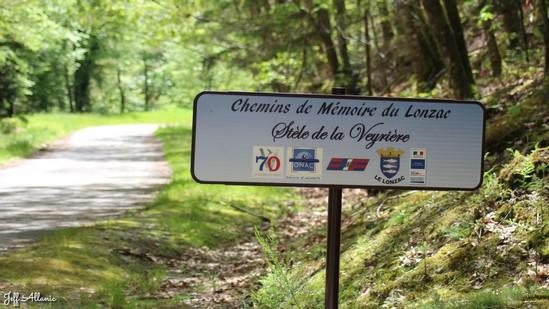 Photo fiche road-trip N° 16_211_1 - Entre Vézère sauvage et Corrèze inattendue - La stèle des Résistants - Treignac - 19260