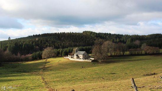 Photo fiche road-trip N° 16_228_1 - Entre Vézère sauvage et Corrèze inattendue - Le hameau de L'Eglise-aux-Bois - L'Église-aux-Bois - 19170