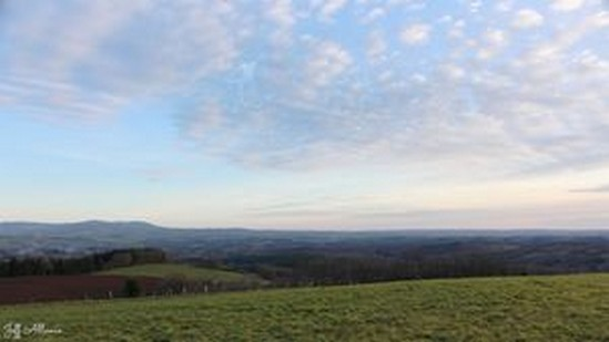 Photo fiche road-trip N° 16_232_1 - Entre Vézère sauvage et Corrèze inattendue - Panorama du Puy des Fayes - Chamberet - 19370