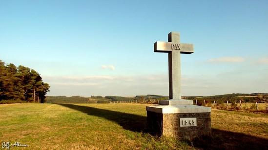 Photo fiche road-trip N° 17_171_1 - Les portes du Périgord blanc - La croix blanche - Peyrelevade - 19290