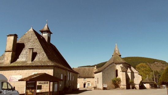 Photo fiche road-trip N° 18_151_1 - Le massif des Monédières - Le village de Chaumeil - Chaumeil - 19390