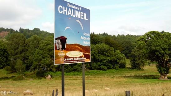 Photo fiche road-trip N° 18_167_1 - Le massif des Monédières - Le panneau d'accueil de Chaumeil - Chaumeil - 19390