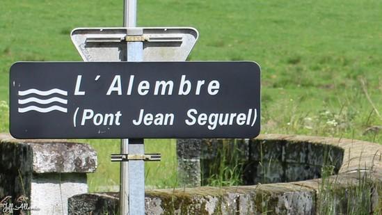 Photo fiche road-trip N° 18_206_1 - Le massif des Monédières - Le pont Jean Ségurel - Treignac - 19260