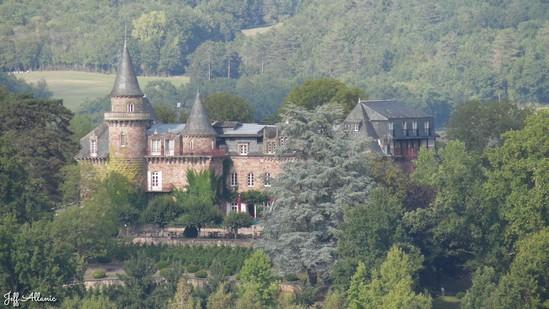 Photo fiche road-trip N° 19_2051_1 - Les portes du Périgord blanc - Panorama sur le château de Castel Novel - Varetz - 19240