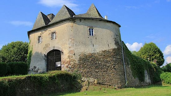 Photo fiche road-trip N° 19_344_1 - Les portes du Périgord blanc - Le château de Comborn - Orgnac-sur-Vézère - 19410