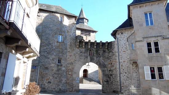 Photo fiche road-trip N° 3_137_1 - Les portes du Périgord blanc - Village de Corrèze - Corrèze - 19800