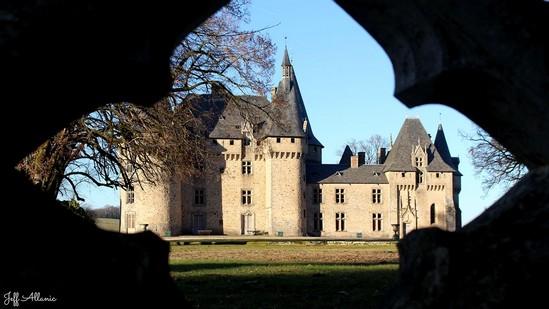 Photo fiche road-trip N° 4_177_1 - Les portes du Périgord blanc - Le château de la Grènerie - Salon-la-Tour - 19510