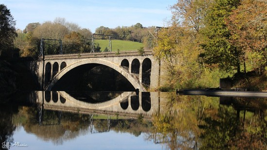 Photo fiche road-trip N° 4_717_1 - La perle du Limousin - Le viaduc et barrage du Gour Noir - Uzerche - 19140