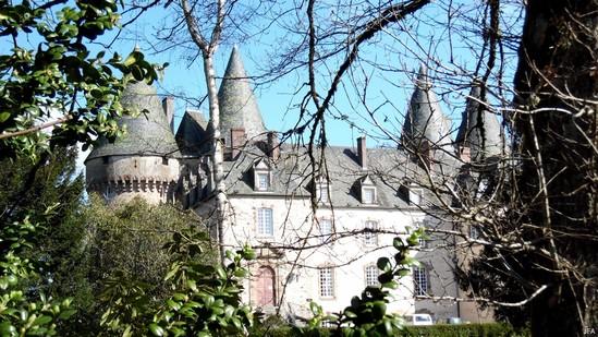 Photo fiche road-trip N° 5_159_1 - Entre vézère et Auvézère - Château de Lubersac - Lubersac - 19210