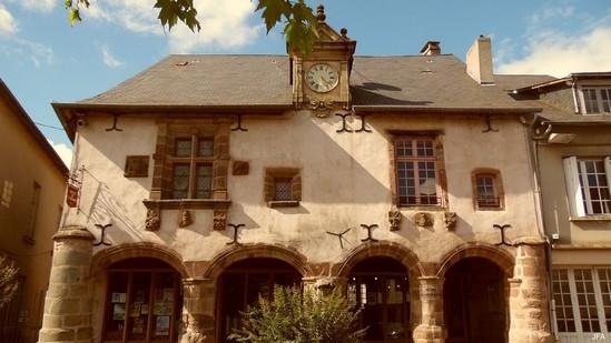 Photo fiche road-trip N° 5_160_1 - Entre vézère et Auvézère - Maison du moyen-age - Lubersac - 19210