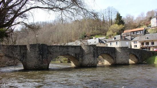 Photo fiche road-trip N° 5_720_1 - Les portes du Périgord blanc - Vieux pont de Vigeois - Vigeois - 19410