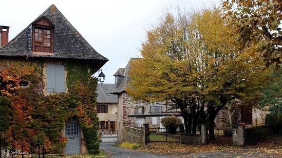 Photo fiche road-trip N° 5_721_1 - Les portes du Périgord blanc - Le village de Juillac - Juillac - 19350