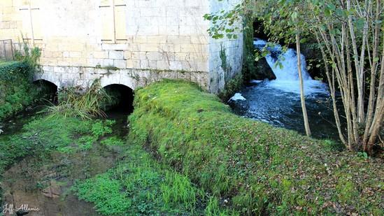 Photo fiche road-trip N° 6_34_1 - La riviéra Correzienne - Le hameau du moulin du Soulier - Chasteaux - 19600