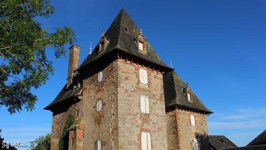 Photo fiche road-trip N° 7_23_1 - La vallée de la Dordogne  - Château du Lon - Noailhac - 19500