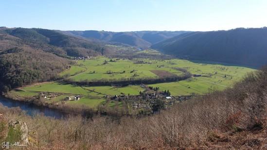 Photo fiche road-trip N° 7_326_1 - La vallée de la Dordogne  - Le Puy du Tour - Monceaux-sur-Dordogne - 19400
