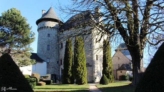Photo fiche road-trip N° 8_490_1 - Les portes du Périgord blanc - Le château de Sainte-Fortunade - Sainte-Fortunade - 19490