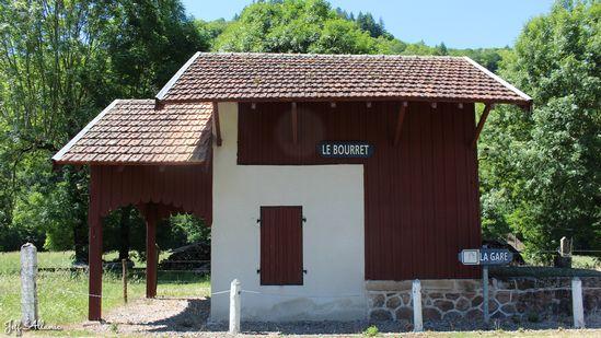 Photo fiche road-trip N° 8_503_1 - Sources et inspirations de Coco Chanel - La petite gare du Bourret - Dampniat - 19360