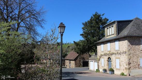 Photo fiche road-trip N° 8_504_1 - Sources et inspirations de Coco Chanel - Le village de Albignac - Albignac - 19190