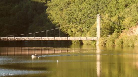 Photo fiche road-trip N° 9_75_1 - Les portes du Périgord blanc - Le pont du Chambon sur la Dordogne - Auriac - 19320