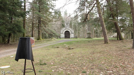 Photo fiche road-trip N° 9_76_1 - Les portes du Périgord blanc - La petite chapelle du Puy du Bassin - Auriac - 19220