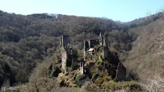 Photo fiche road-trip N° 9_93_1 - Les portes du Périgord blanc - Visite des Tours de Merle - Saint-Geniez-ô-Merle - 19220